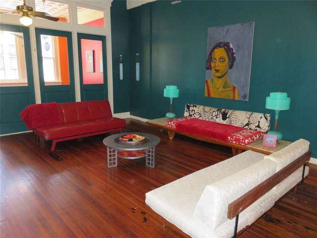 2117 Post Office Street #5, Galveston, TX 77550 (MLS #54565120) :: The SOLD by George Team