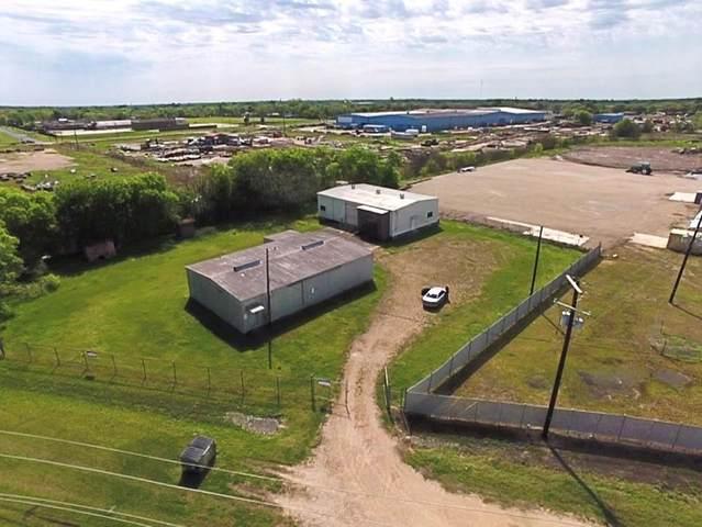 101 S Meadow Lane, El Campo, TX 77437 (MLS #54754033) :: Michele Harmon Team