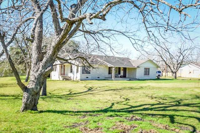 1010 E Gonzales Street, Yoakum, TX 77995 (MLS #54834354) :: The Heyl Group at Keller Williams