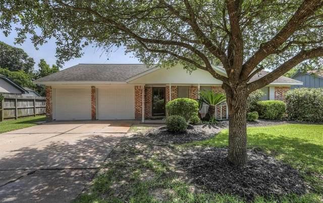 2203 Halbert Drive, Pearland, TX 77581 (MLS #54946700) :: Homemax Properties