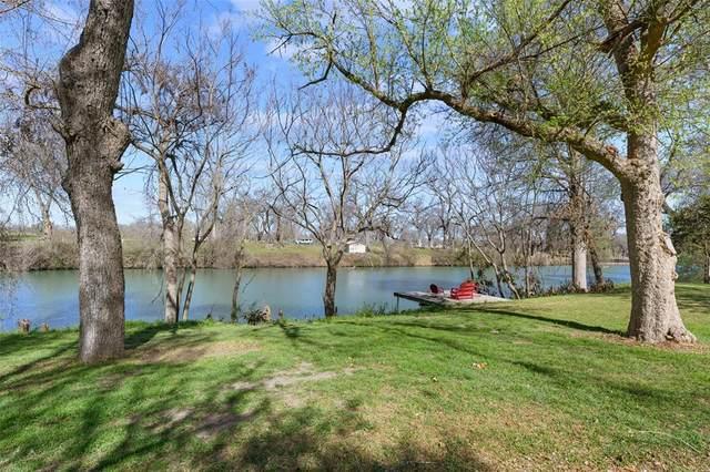 214 Guadalupe River Drive, Seguin, TX 78155 (#55065487) :: ORO Realty