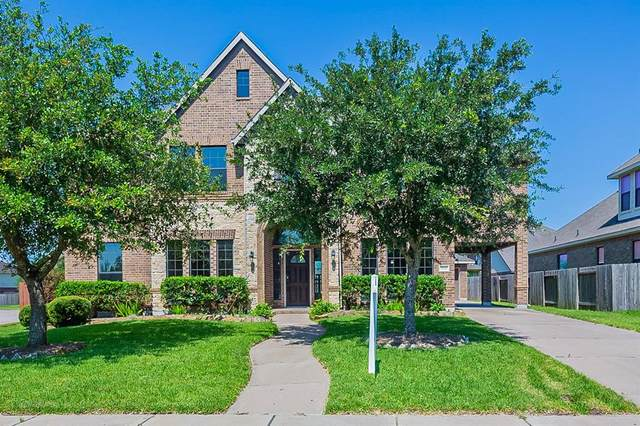 3010 Southern Brook Court, Pearland, TX 77584 (MLS #55121887) :: The SOLD by George Team