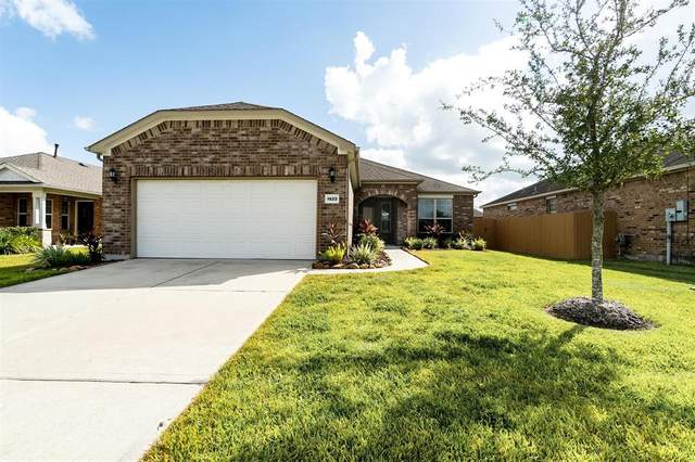 1523 Tuscan Village Drive, League City, TX 77573 (MLS #5512653) :: Connect Realty