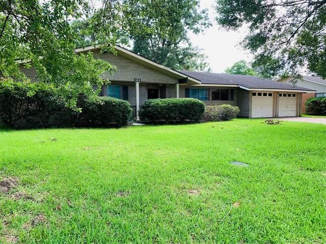 3111 Eugenia Lane, Groves, TX 77619 (MLS #55252623) :: The Property Guys