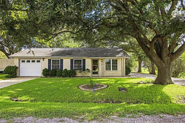 702 Louise Avenue, El Campo, TX 77437 (MLS #55272832) :: The Home Branch
