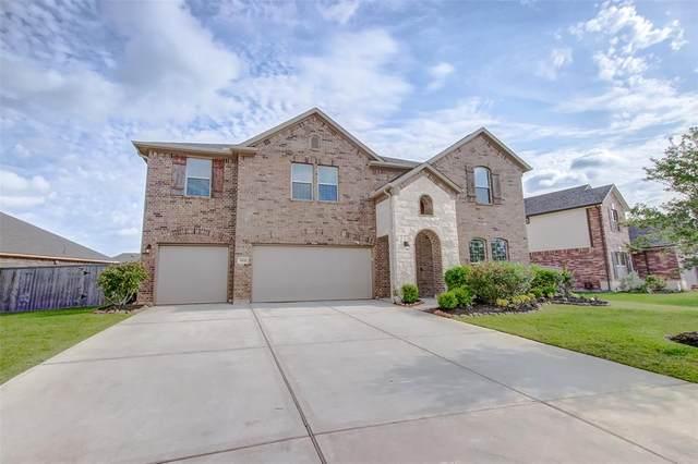 2102 Sunset Terrace Lane, Pearland, TX 77089 (MLS #55317831) :: Guevara Backman