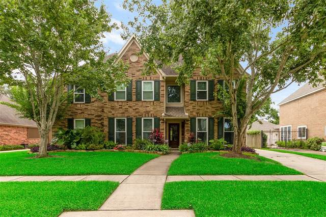 2115 Riverside Drive, League City, TX 77573 (MLS #55356153) :: Christy Buck Team