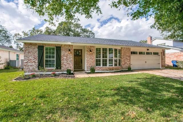 4222 Lucian Lane, Friendswood, TX 77546 (MLS #55379585) :: Christy Buck Team