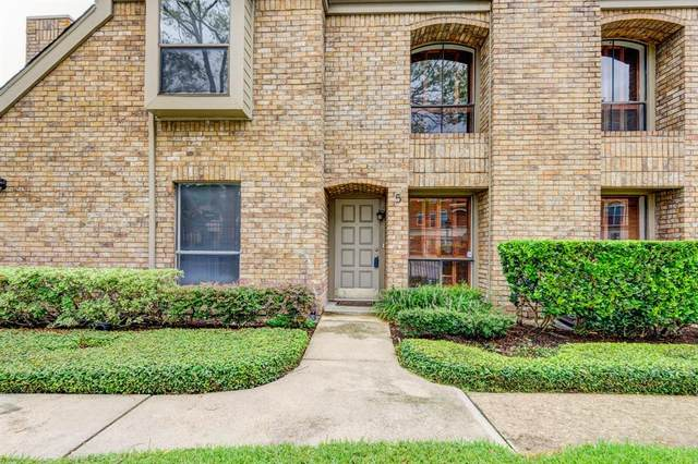 1908 Augusta Drive S #5, Houston, TX 77057 (MLS #55538389) :: My BCS Home Real Estate Group