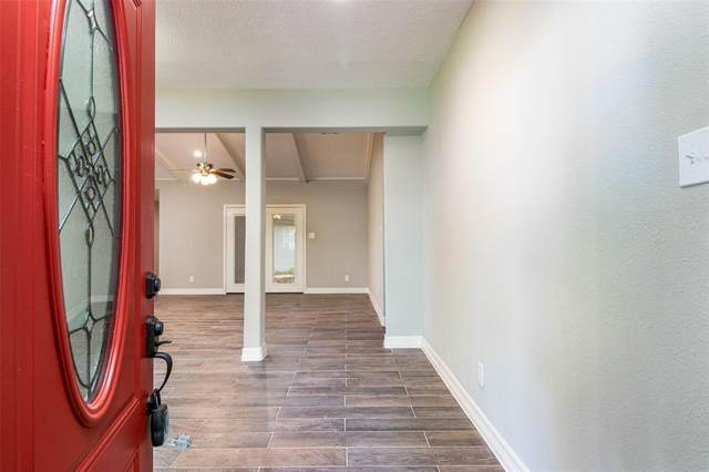 8411 Academy Street, Houston, TX 77025 (MLS #55570440) :: The Queen Team