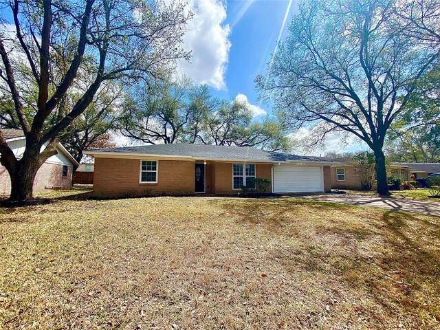 914 Beechgrove Drive, Webster, TX 77058 (MLS #55676277) :: The Queen Team