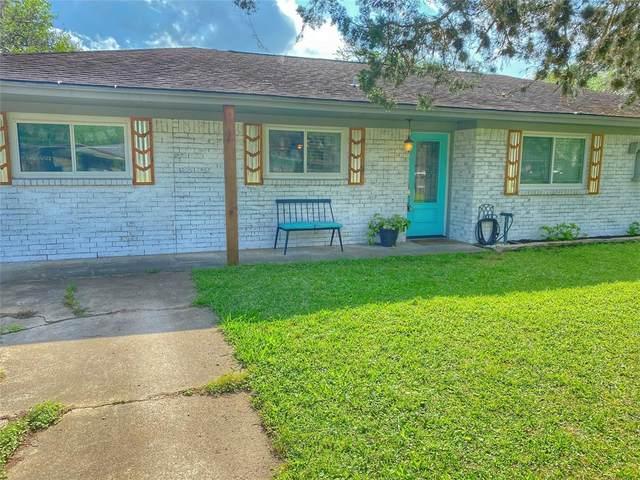 214 Avenue H, Brazoria, TX 77422 (MLS #5576249) :: Christy Buck Team