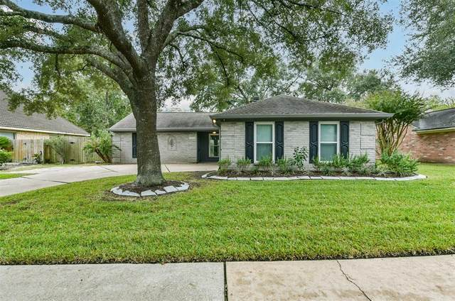 2318 Colleen Drive, Pearland, TX 77581 (MLS #55836899) :: The Sansone Group