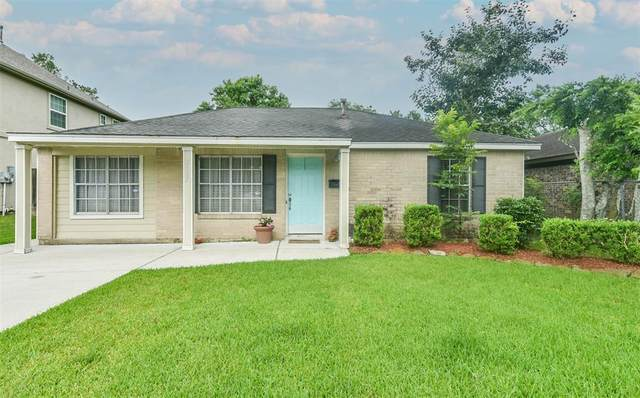 2505 S Pearland Avenue, Pearland, TX 77581 (MLS #55837978) :: Christy Buck Team