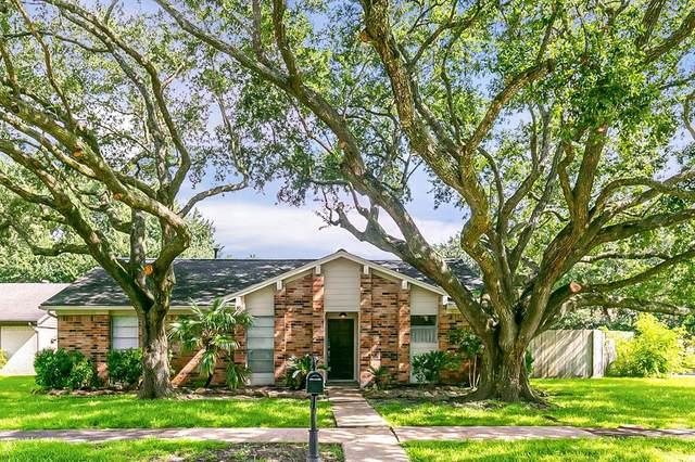 1801 Crooked Creek Lane, Pearland, TX 77581 (MLS #55845384) :: The Wendy Sherman Team