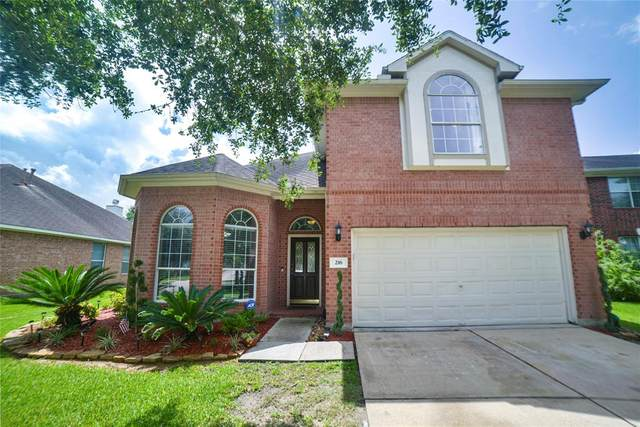 216 Cay Crossing Lane, Dickinson, TX 77539 (MLS #55865891) :: The SOLD by George Team
