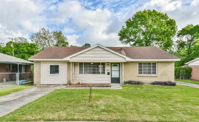 351 Victoria Drive, Houston, TX 77022 (MLS #55989754) :: Texas Home Shop Realty