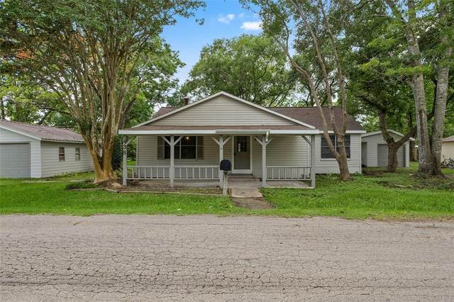 438 E Florida Street, Brazoria, TX 77422 (MLS #56074413) :: The SOLD by George Team