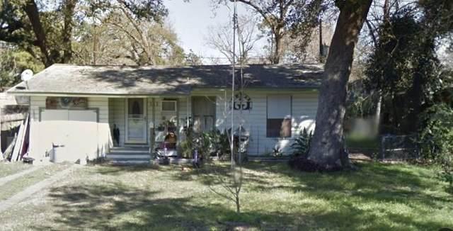 111 Wisteria Street, Lake Jackson, TX 77566 (MLS #56277925) :: Christy Buck Team
