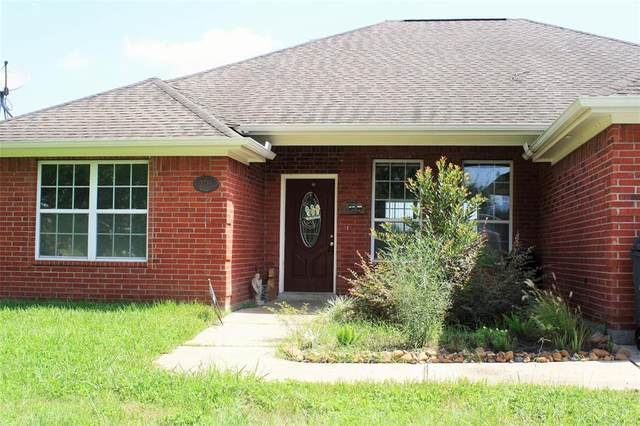 2711 W Eagle Drive, Rosenberg, TX 77471 (MLS #56278566) :: All Cities USA Realty