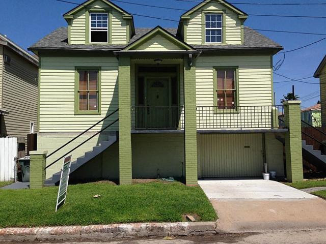 308 17th Street, Galveston, TX 77550 (MLS #56359581) :: The Bly Team