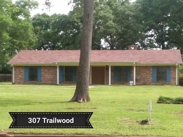 307 Trailwood Drive, Crockett, TX 75835 (MLS #56417460) :: Texas Home Shop Realty