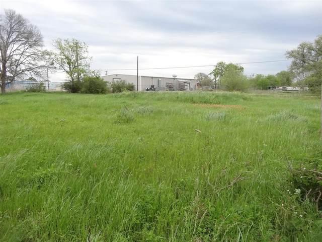 530 4th Street, Hempstead, TX 77445 (MLS #56453859) :: Ellison Real Estate Team