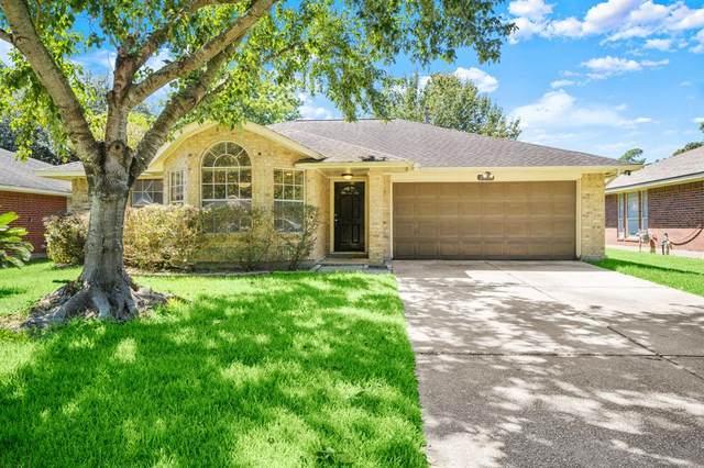 2302 Friarwood Trail, Houston, TX 77339 (MLS #56609870) :: The Freund Group
