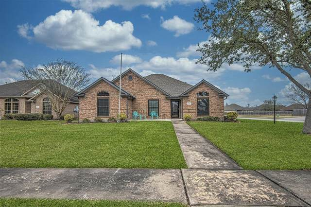 100 Warbler Court, Richwood, TX 77531 (MLS #56648785) :: Michele Harmon Team