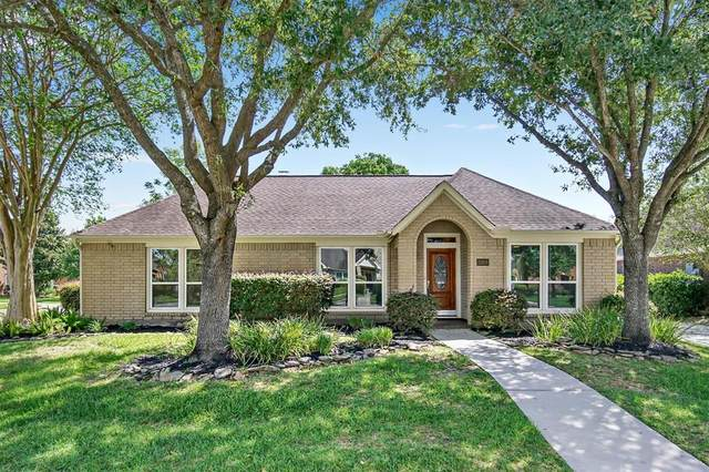 2229 Turnberry Drive, League City, TX 77573 (MLS #56682067) :: The Bly Team