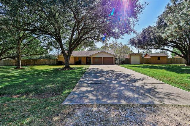 12413 Lamar Lane, Santa Fe, TX 77510 (MLS #5669091) :: The Freund Group