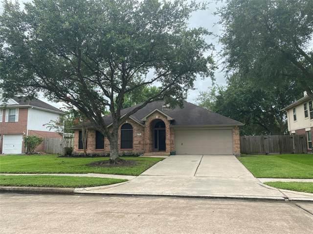 1906 Desota Street, Friendswood, TX 77546 (MLS #56754732) :: The SOLD by George Team
