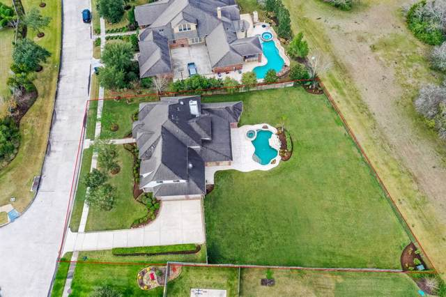 305 Northcliff Ridge Lane, Friendswood, TX 77546 (MLS #56796355) :: The SOLD by George Team