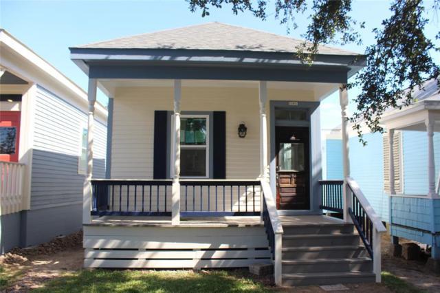 809 Sealy Street, Galveston, TX 77550 (MLS #56799512) :: Christy Buck Team