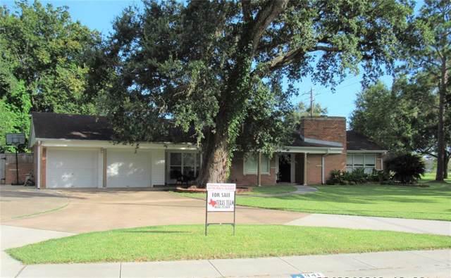 941 Magnolia Street, Lake Jackson, TX 77566 (MLS #56834582) :: The Jill Smith Team