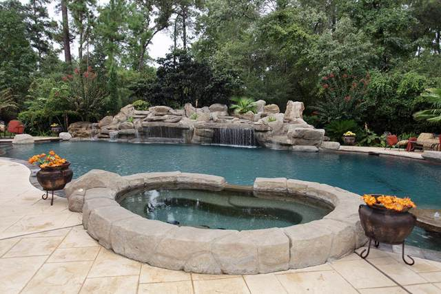 23 Villeroy Way, The Woodlands, TX 77382 (MLS #56902137) :: The Bly Team