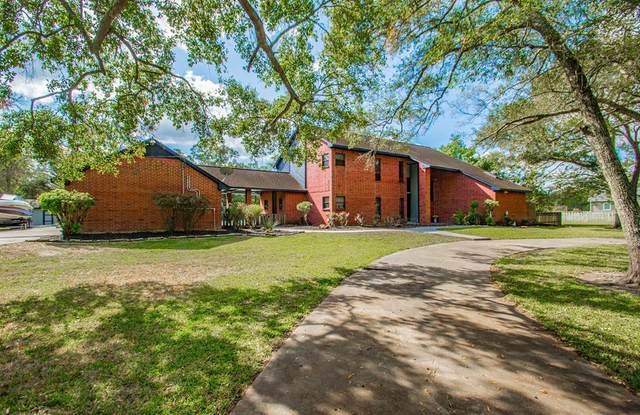 402 Oak Forrest Drive, Angleton, TX 77515 (MLS #56907302) :: The Freund Group