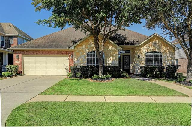 105 Chiselstone Court, Friendswood, TX 77546 (MLS #56933002) :: The Bly Team