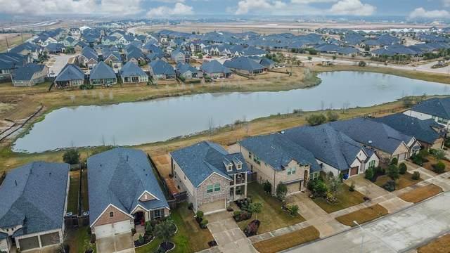 29138 Crystal Rose Lane, Fulshear, TX 77441 (MLS #56935883) :: My BCS Home Real Estate Group