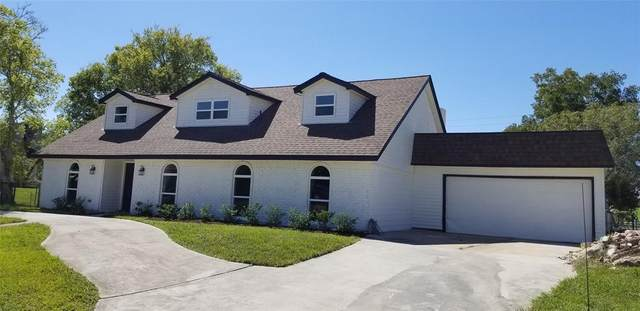 203 Old Bayou Drive, Dickinson, TX 77539 (MLS #56942885) :: Keller Williams Realty