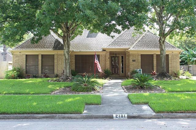 2101 Riverside Drive, League City, TX 77573 (MLS #57072844) :: Magnolia Realty