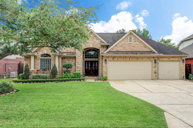 3214 E Cedar Hollow Drive E, Pearland, TX 77584 (MLS #57147049) :: CORE Realty