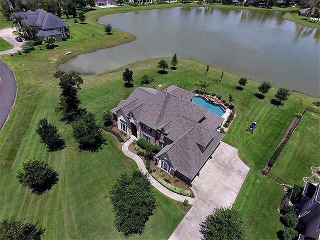 8927 Lady Laura Lane, Richmond, TX 77469 (MLS #57211585) :: The Sansone Group