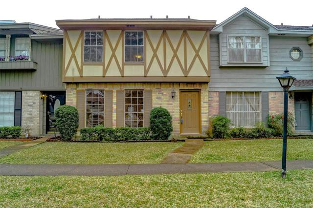 10018 Knoboak Drive #17, Houston, TX 77080 (MLS #57362512) :: Texas Home Shop Realty