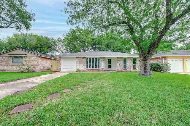 16719 David Glen Drive, Friendswood, TX 77546 (MLS #57429756) :: Christy Buck Team