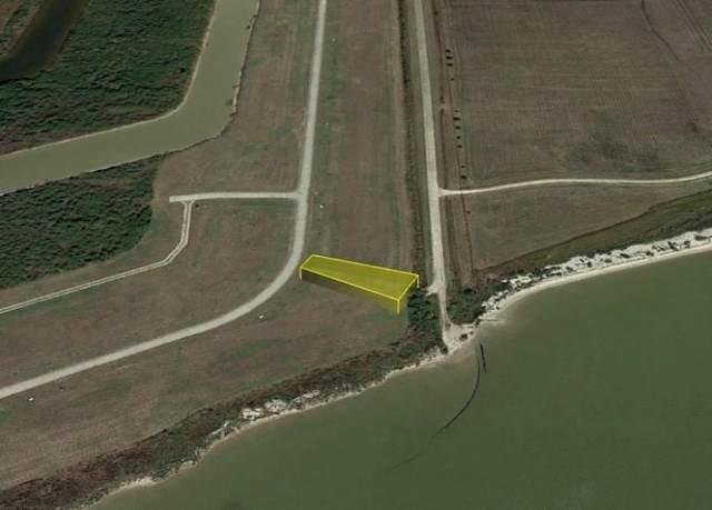 000 Palacios Bay Drive, Palacios, TX 77465 (MLS #57561618) :: My BCS Home Real Estate Group