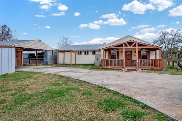 917 County Road 281, Alvin, TX 77511 (MLS #57576958) :: Texas Home Shop Realty