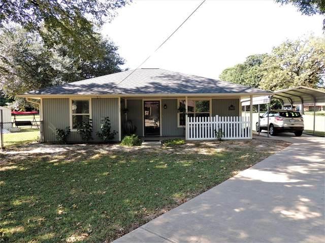 608 W Maple Street, Grapeland, TX 75844 (MLS #57610932) :: Bray Real Estate Group