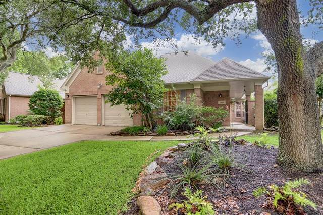 13903 Aspen Cove Drive, Houston, TX 77077 (MLS #57611438) :: The SOLD by George Team