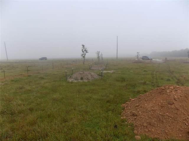 4726 County Road 45, Angleton, TX 77515 (#57780615) :: ORO Realty